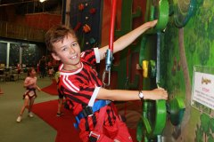 Adventure-land-panmure-Boys-climbing